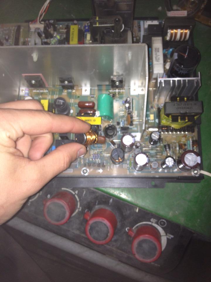 Broken coil on / bobine cassée sur Toshiba true flat Broken_coil2